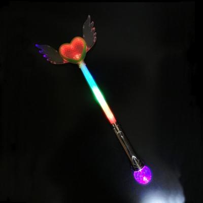 Bagheta Magica Luminoasa de Printese cu Inimioara si Aripi 40cm