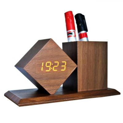Ceas Digital Birou Aspect Lemn cu Suport Pixuri 19x10x10cm 2025 Maro
